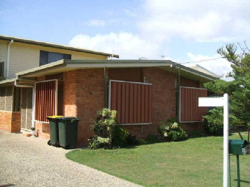 5 Bell Street, Booral QLD 4655