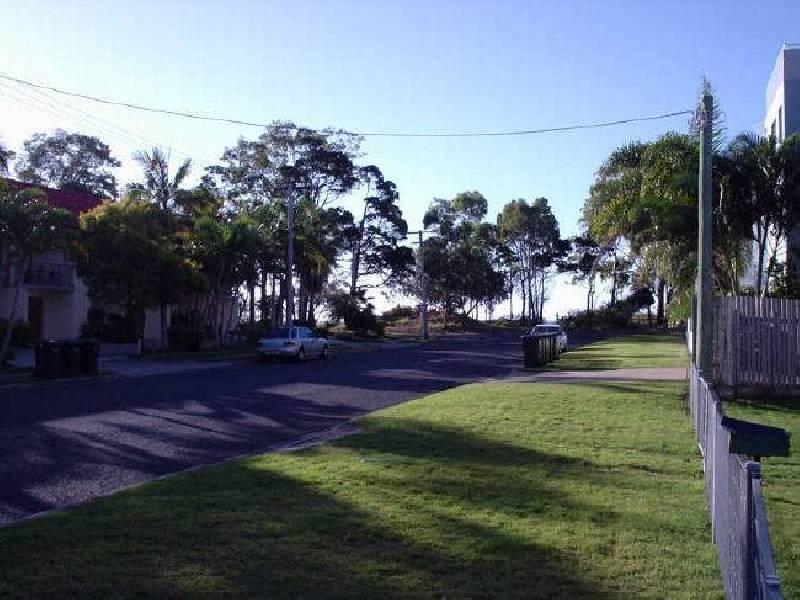 8 Robert Street, Urangan, Booral QLD 4655