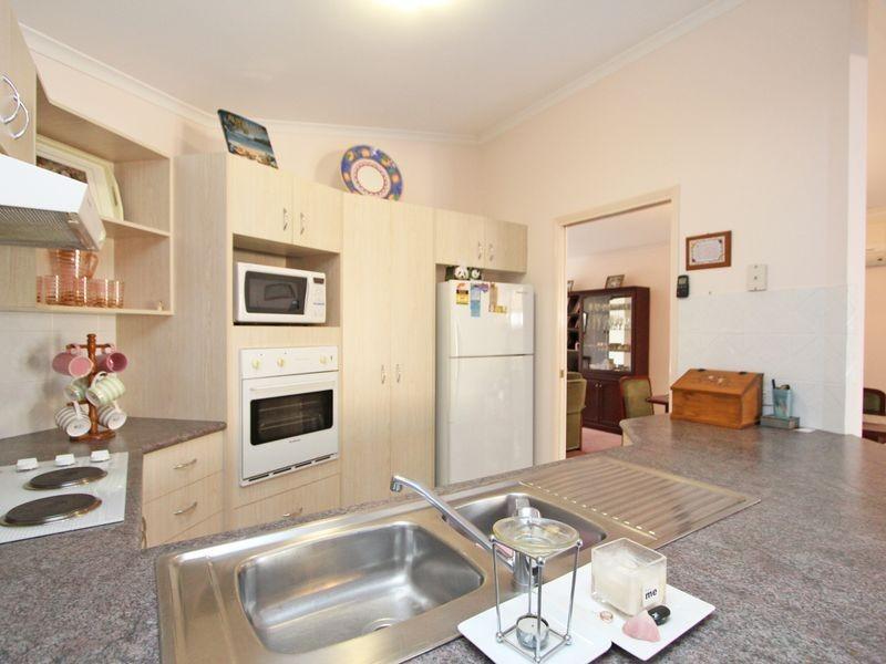 3 Jura Street, Brassall QLD 4305