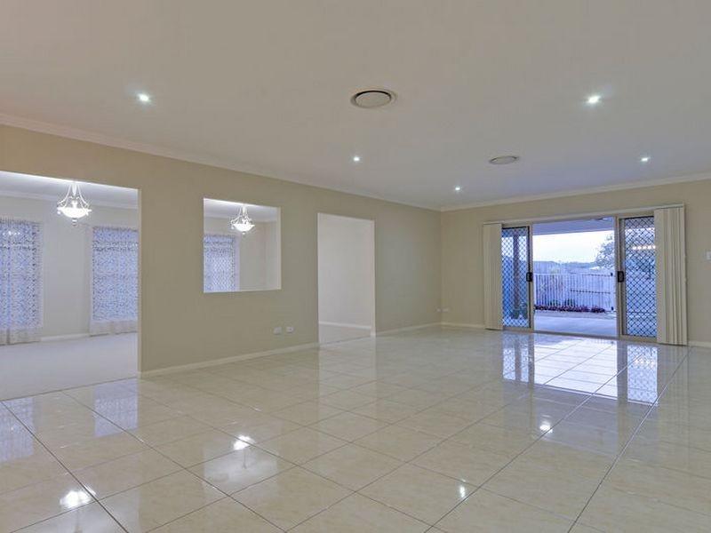 4 Homestead Place, Brassall QLD 4305