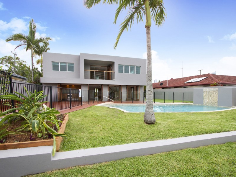 106 Salerno Street, Isle Of Capri QLD 4217
