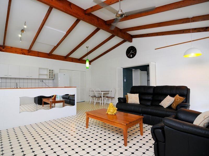 7 Fuscia Court, Mooroobool QLD 4870