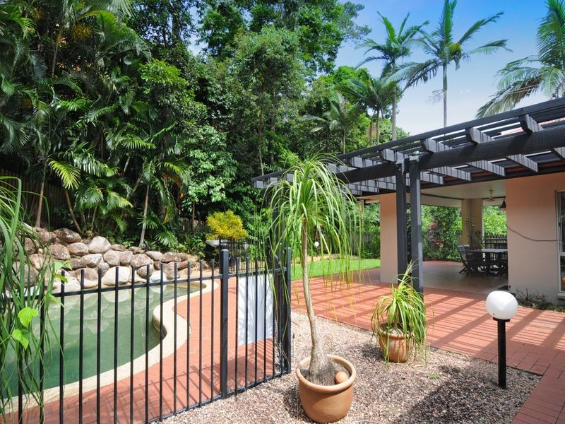 70 Summer Hill Drive, Mooroobool QLD 4870