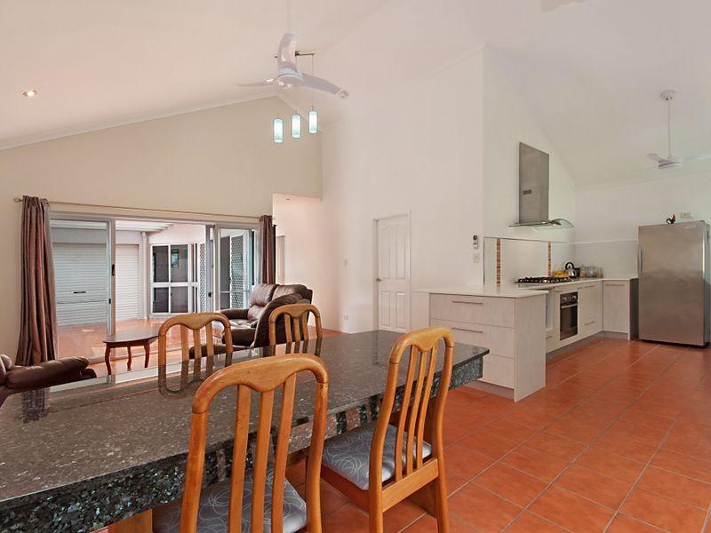 4 Silky Oak Court, Mooroobool QLD 4870