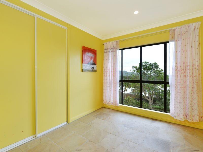 10 Strutton Place, Mooroobool QLD 4870