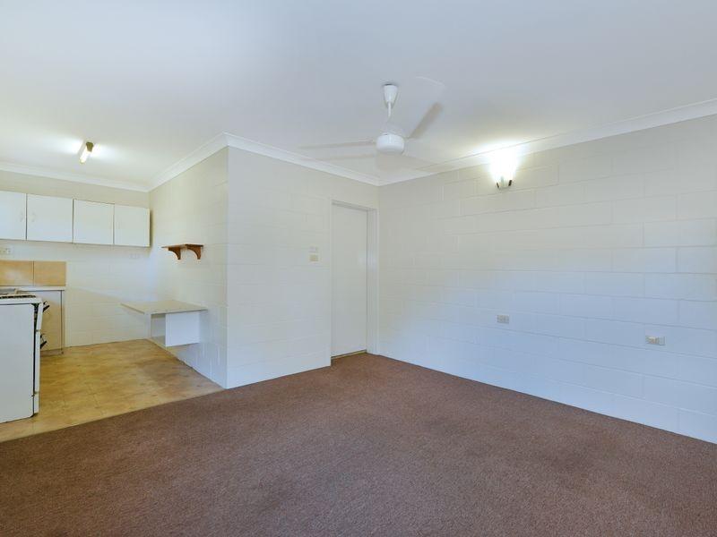 5 292 Sheridan  Street, Cairns North QLD 4870
