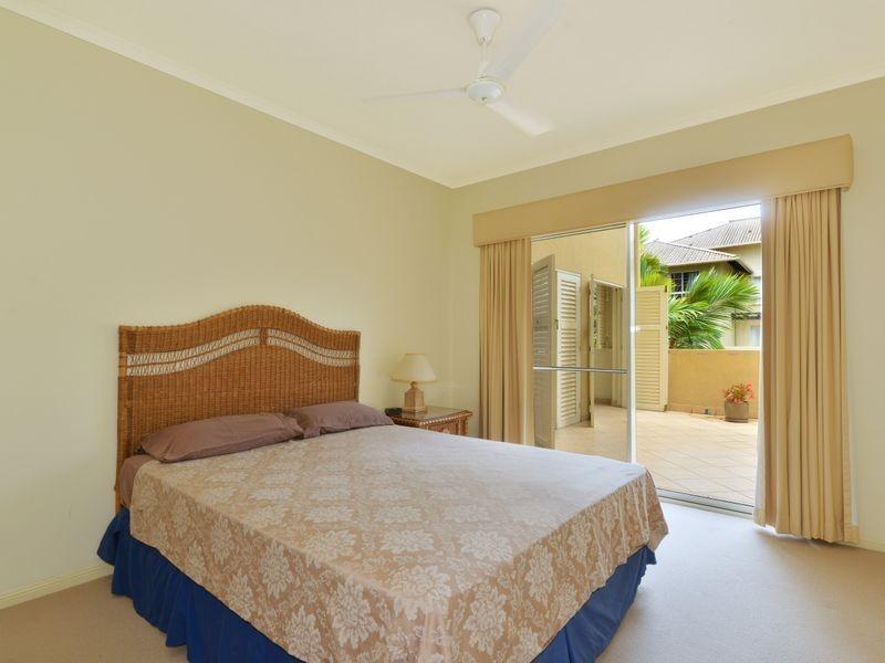 404/2 Greenslopes Street, Cairns North QLD 4870