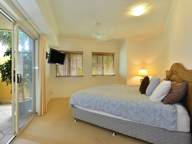 1006/2 Greenslopes Street, Cairns North QLD 4870