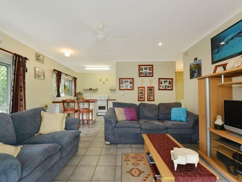 1/3 Ireland Crescent, Whitfield QLD 4870