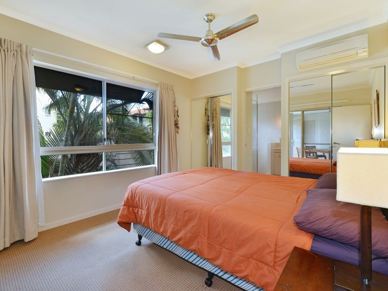1512/2 Greenslopes Street, Cairns North QLD 4870