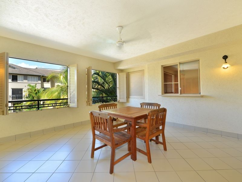 1517/2 Greenslopes Street, Cairns North QLD 4870