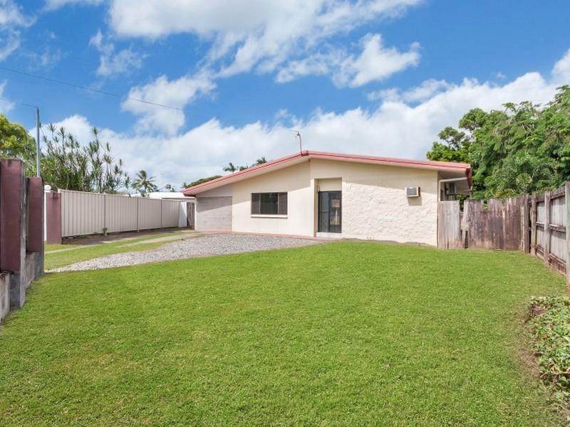 1 Frances Street, Mooroobool QLD 4870