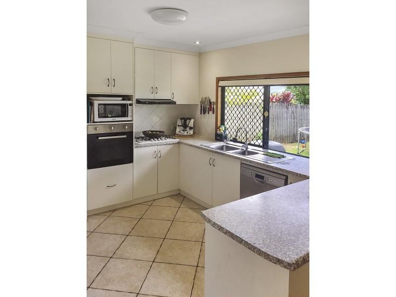 13 St Albans Close, Brinsmead QLD 4870