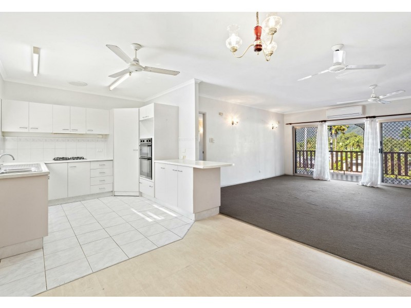 2 Guthrie Close, Bentley Park QLD 4869
