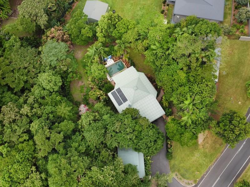 18 Chirio Drive, Redlynch QLD 4870