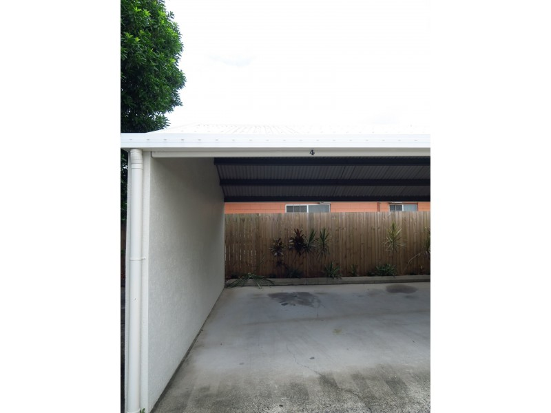 4/150 Pease Street, Manoora QLD 4870