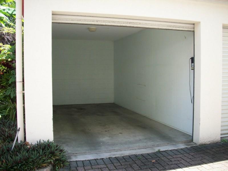 48/327 Lake Street, Cairns North QLD 4870