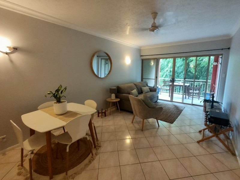 1115/2 Greenslopes Street, Cairns North QLD 4870