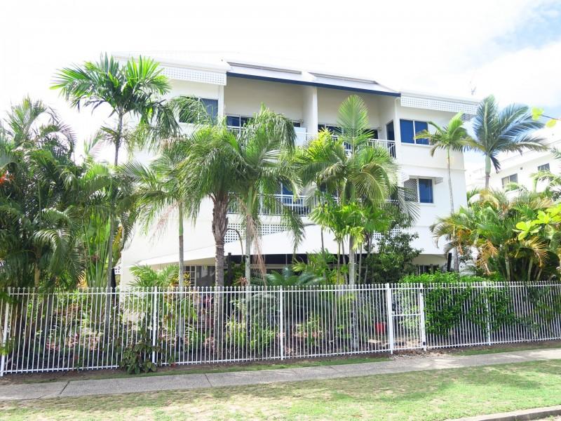 9/14 Upward Street, Cairns North QLD 4870
