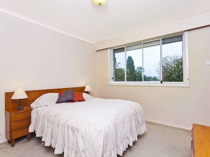 4 Mahon Place, Hughes ACT 2605