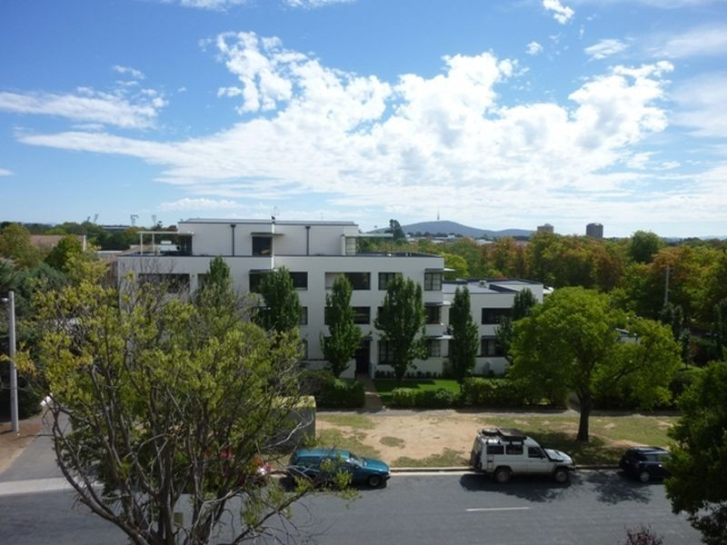 408/107 Canberra Avenue, Griffith ACT 2603