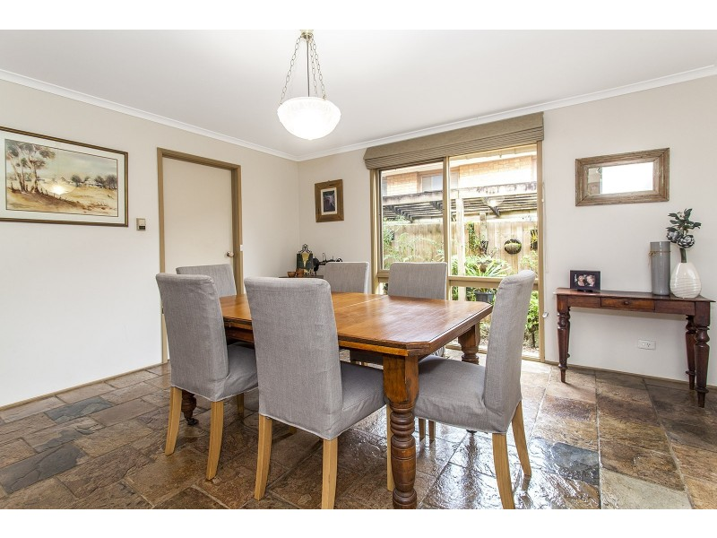 33 Alpine Way, Kilsyth VIC 3137