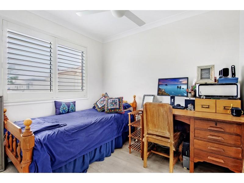 2/8 Rosalind Avenue, Paradise Point QLD 4216