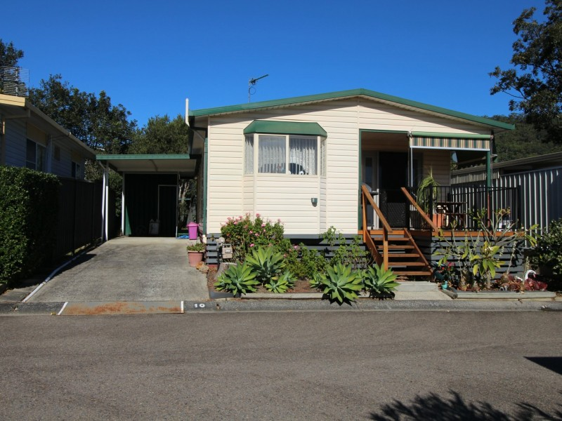 10 Seconds Ave, Broadlands Estate, Green Point NSW 2251