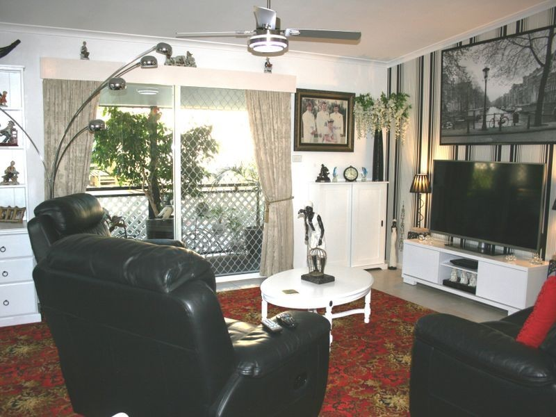 6 Third Avenue Broadlands Estate, Green Point NSW 2251