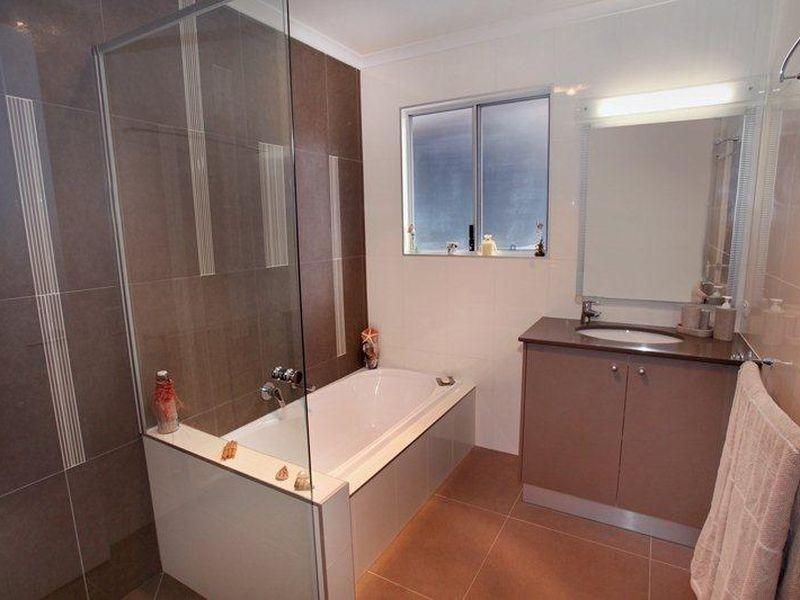 5 Yakola Pde, Alexandra Headland QLD 4572