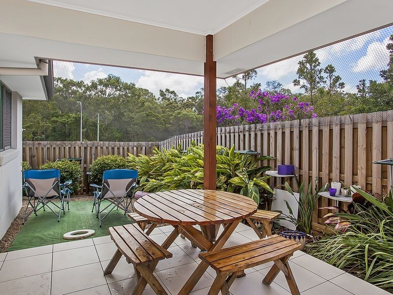 2/3 Riverwood Drive, Ashmore QLD 4214