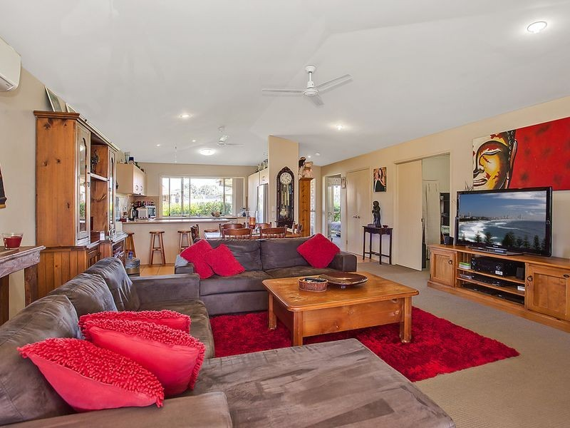17 Meadow Way, Upper Coomera QLD 4209