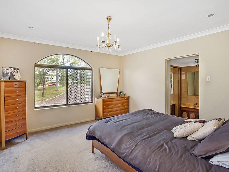 5 Innisfail Road, Highland Park QLD 4211