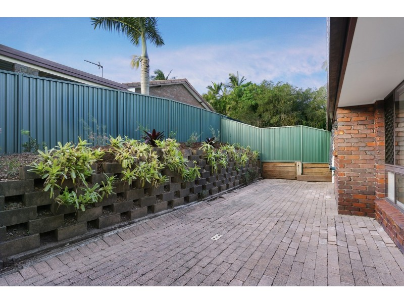 2/131 Cotlew Street, Ashmore QLD 4214