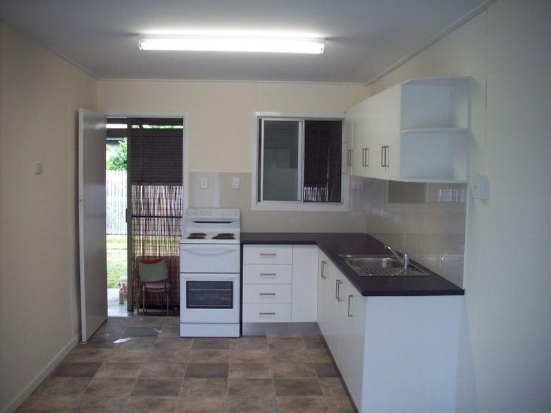 2/17 Nicholson Street, Allenstown QLD 4700