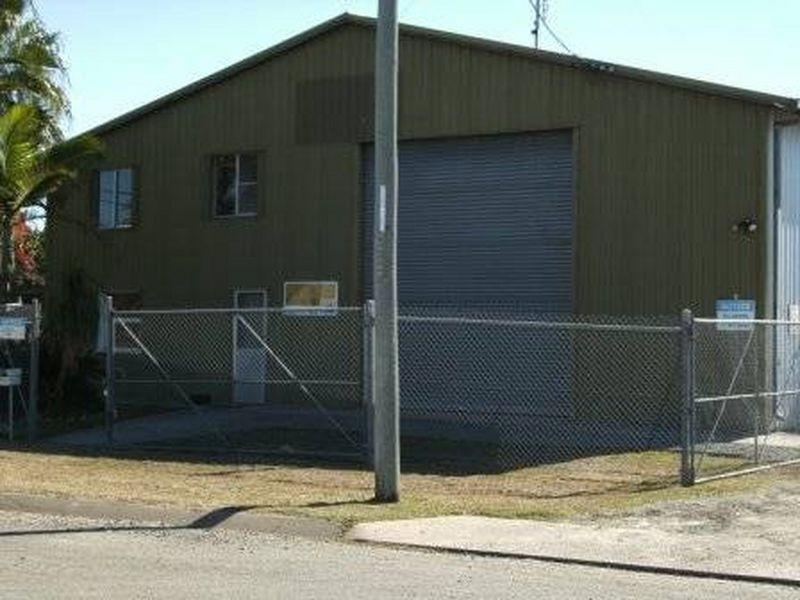 9-11 Okano Street, Moura QLD 4718