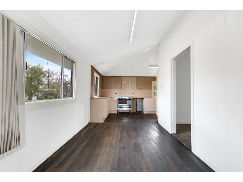 7 Werner Street, Park Avenue QLD 4701
