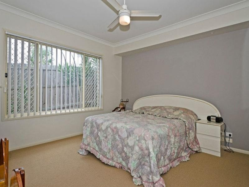 2/14 Redstart Ave, Upper Coomera QLD 4209
