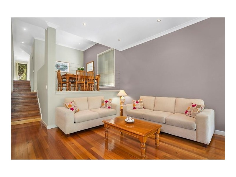 2/21 Angophora Place, Alfords Point NSW 2234