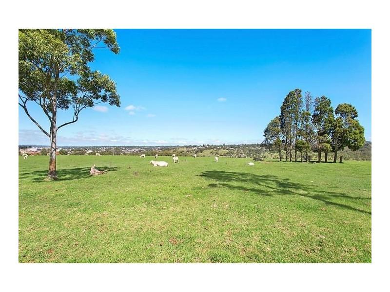 302 Goombungee Road, Harlaxton QLD 4350