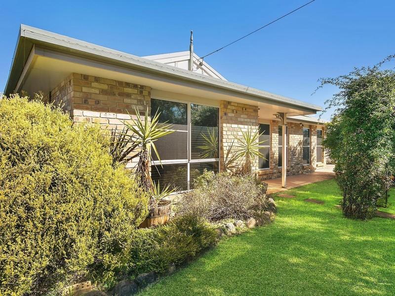 3 Lake Drive, Meringandan QLD 4352
