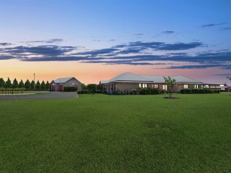 4 Mount View Close, Razorback NSW 2571