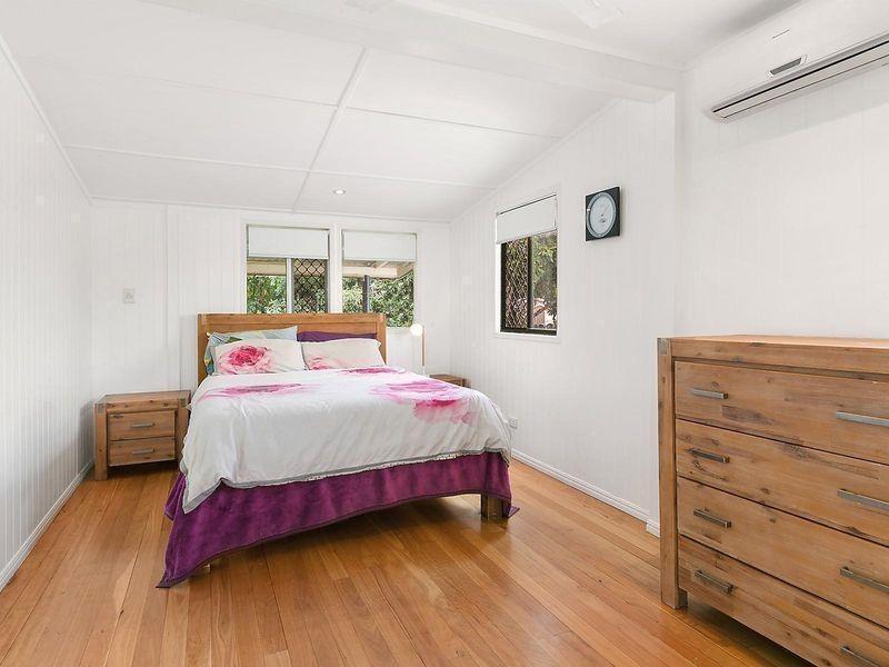 100 Park Street, Park Avenue QLD 4701