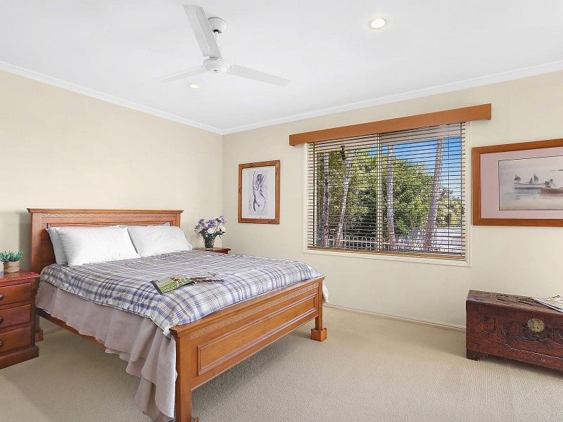 8 Victory Crescent, Sunrise Beach QLD 4567