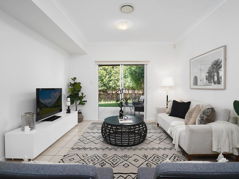 6 Bank Street, Windsor QLD 4030
