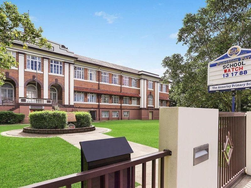 4/12 Somervell Street, Annerley QLD 4103