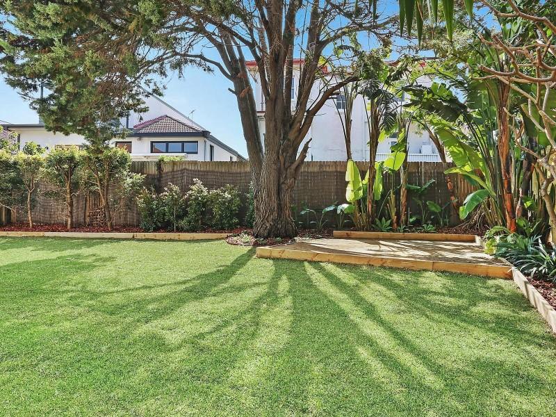 2/16 Ramsgate Avenue, Bondi Beach NSW 2026