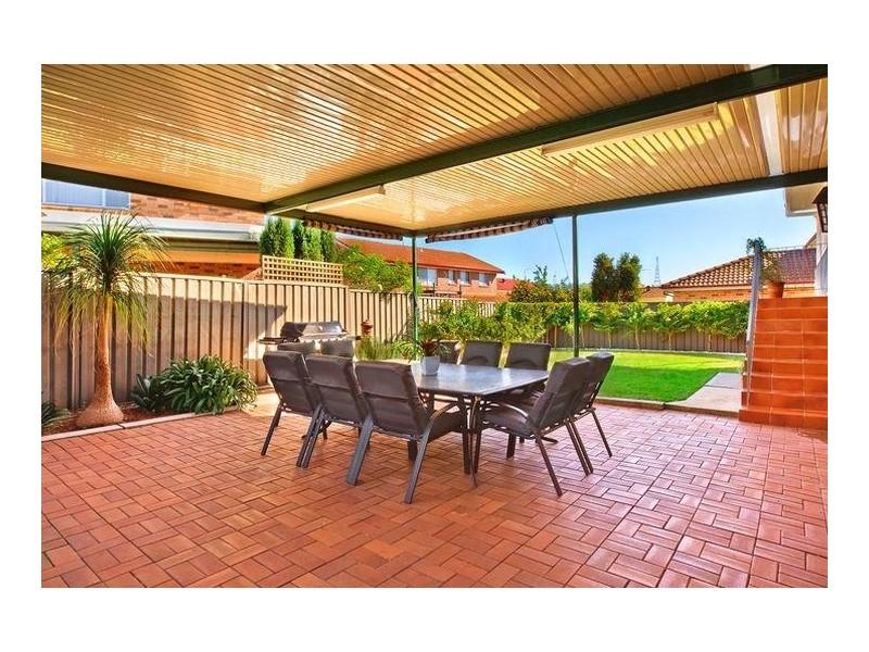 5  Nowland Place, Abbotsbury NSW 2176