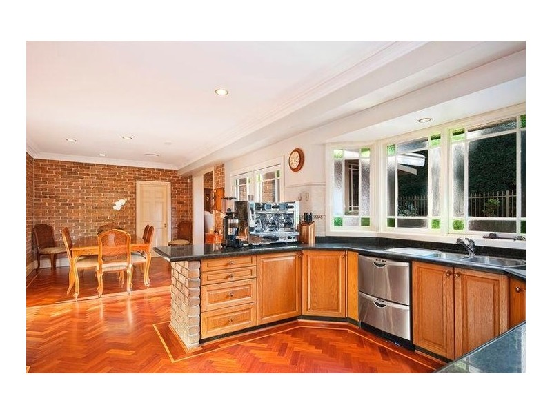 6 Lanceley Place, Abbotsbury NSW 2176