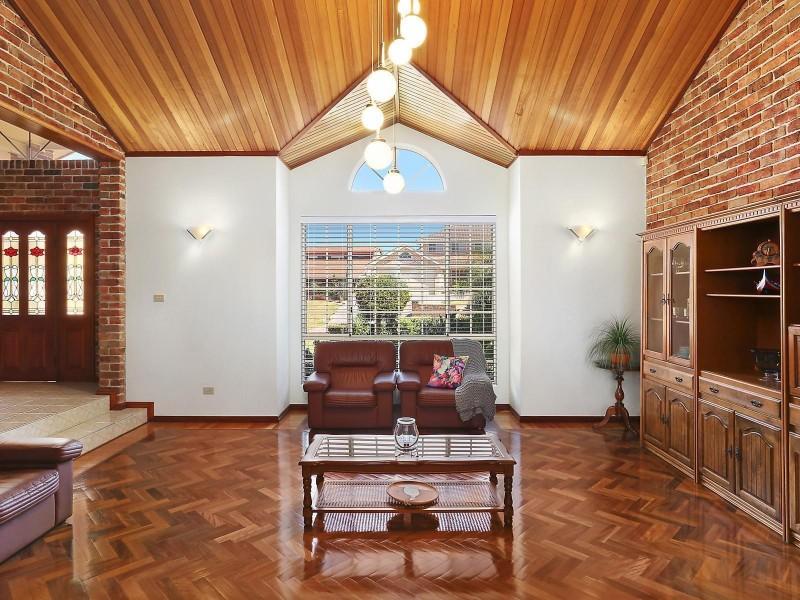 15 Lanceley Place, Abbotsbury NSW 2176